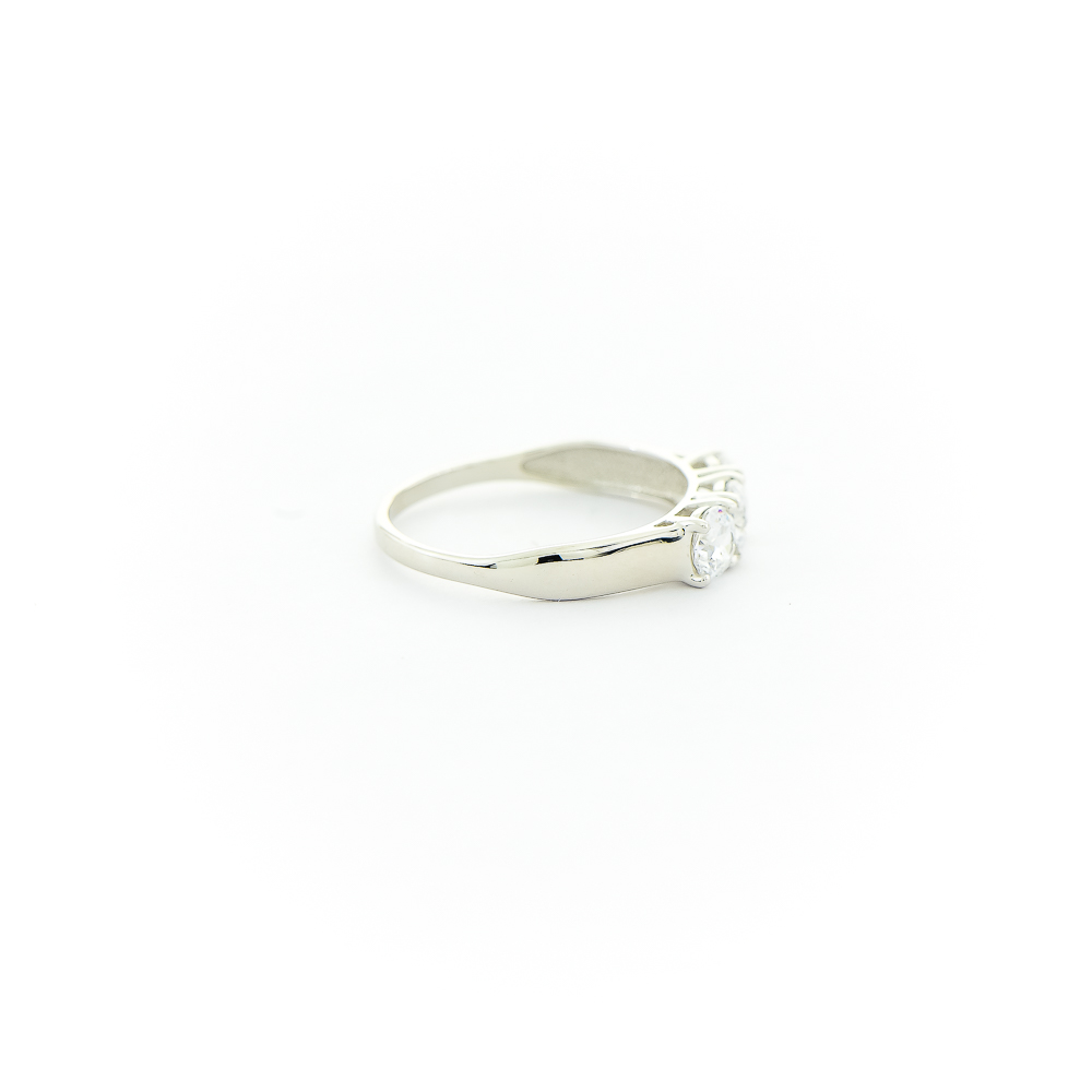 Кольцо из белого золота со Swarovski Zirconia