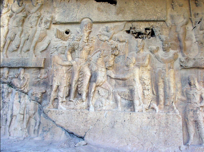 Figure 5. Tang-e Chowgan (Western Fars, Iran): Bishapur II rock relief: central panel. (Source: photo P. Callieri, elaboration A. Eghra').