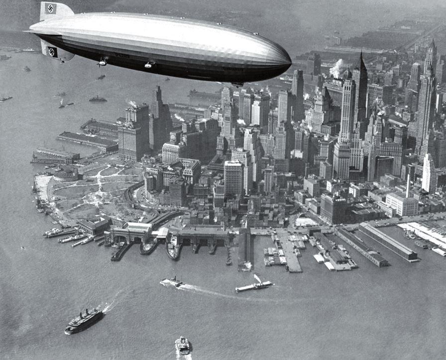 Рис. 4. LZ-129 «Гинденбург» над Нью-Йорком