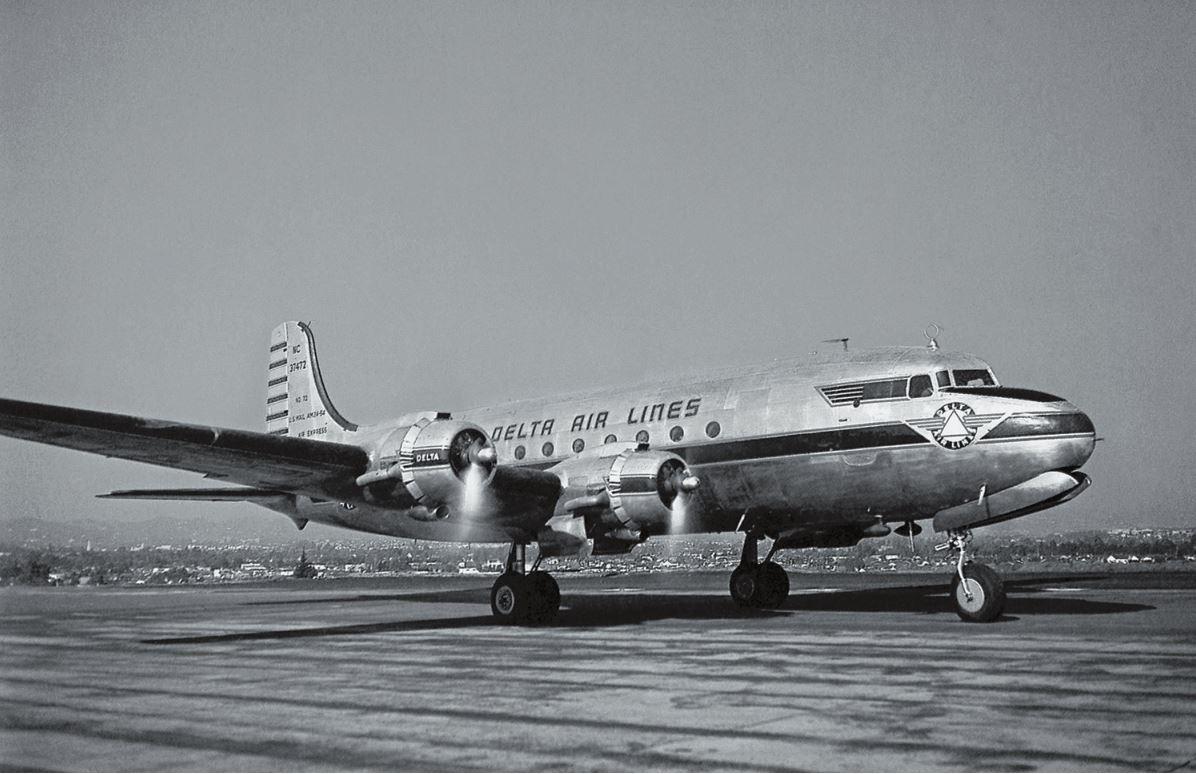 Рис. 8. «Дуглас DC-4»