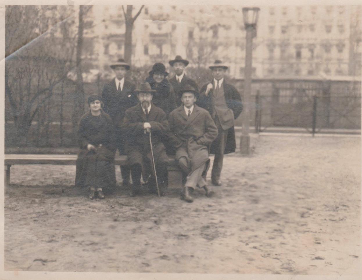С.Л. Франк со своими учениками. Берлин, 1924 г. Фотография из архива внука Франка о. Петра Скорера