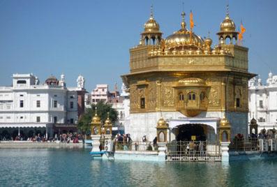 Комплекс Золотого храма (Дарбар-сахеб), г. Амритсар, Индия. Фото автора.