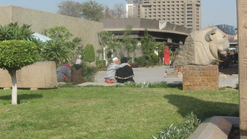 Фото 4. Посетители сада вызвали живой интерес путешественника (фото автора)