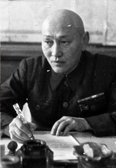 Ж. Ш. Шаяхметов — в 1946—54 гг. Первый секретарь ЦК КП Казахстана, был снят с должности за несогласие с масштабами программы освоения целины