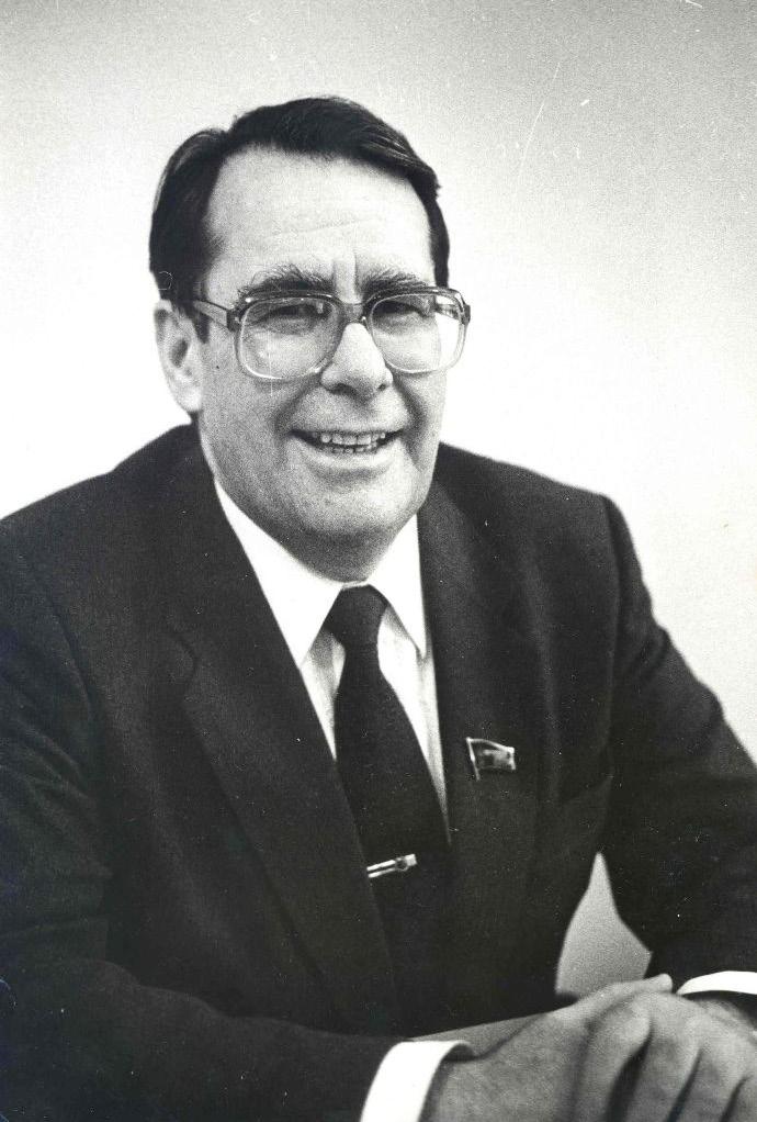 Хабибуллин Равмер Хасанович, в 1987—1990 — первый секретарь Башкирского обкома КПСС