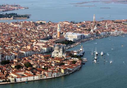 Венеция, «золотая голубятня у воды»